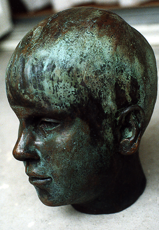 Max, brons. Portrait of Max, sculpture in bronze, cire perdue, the artists own casting.